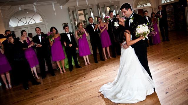 Tradicija i romantika za prvi ples mladenaca